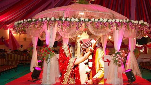 The Big Fat Indian Wedding Is Right Phrase To Describe Marriage Compliment Such You Need A Perfect Invitie And Magnificent